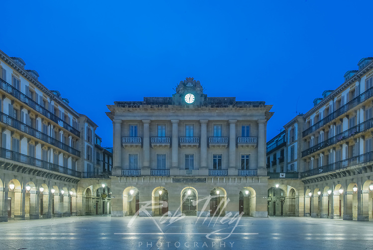 Spain, San Sebastian, Plaza de la Constitucion at Dawn