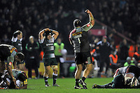 Mark Lambert of Harlequins celebrates at the final whistle. Aviva Premiership match, between Harlequins and Leicester Tigers on February 19, 2016 at the Twickenham Stoop in London, England. Photo by: Patrick Khachfe / JMP