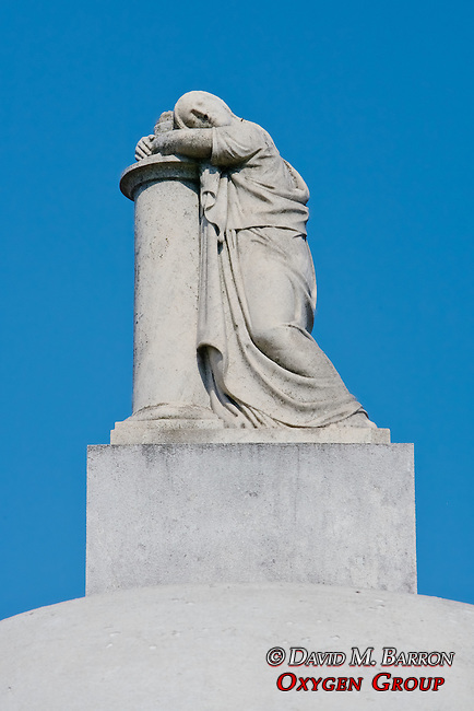 Statue, La Recoleta Cemetery