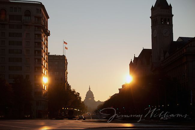 A view of the Capital Building in Washington DC at sunset