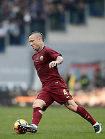 Calcio, Serie A: Lazio vs Roma. Roma, stadio Olimpico, 4 dicembre 2016.<br /> Roma&rsquo;s Radja Nainggolan in action during the Italian Serie A football match between Lazio and Rome at Rome's Olympic stadium, 4 December 2016. Roma won 2-0.<br /> UPDATE IMAGES PRESS/Isabella Bonotto