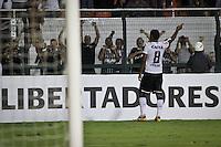 SÃO PAULO,SP,13 MARÇO 2013 - COPA LIBERTADORES AMÉRICA 2013 - CORINTHIANS (Bra) x THIJUANA (MEX) -Paulinho  jogador do Corinthians comemora gol durante partida Corinthians x Thijuana válido pela 4º rodada da Copa Libertadore América 2013 no Estádio Paulo Machado de Carvalho (Pacaembu) na noite desta quarta feira (13).FOTO ALE VIANNA - BRAZIL PHOTO PRESS.