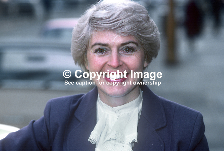 Gloria Hunniford, British television and radio presenter, born Portadown, N Ireland, photographed in London 23rd February 1982. 198202046c..Copyright Image from Victor Patterson, 54 Dorchester Park, Belfast, UK, BT9 6RJ..Tel: +44 28 9066 1296.Mob: +44 7802 353836.Voicemail +44 20 8816 7153.Skype: victorpattersonbelfast.Email: victorpatterson@me.com.Email: victorpatterson@ireland.com (back-up)..IMPORTANT: If you wish to use this image or any other of my images please go to www.victorpatterson.com and click on the Terms & Conditions. Then contact me by email or phone with the reference number(s) of the image(s) concerned.