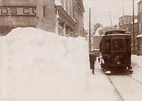 Tramway<br /> , Quartier Vieux-Quebec - Cote de la Fabrique , vers 1900<br /> <br /> PHOTO : studio Livernois