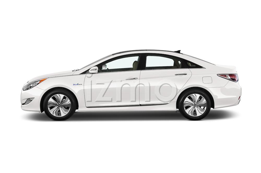 Car driver side profile view of a 2015 Hyundai Sonata  Hybrid 4 Door Sedan