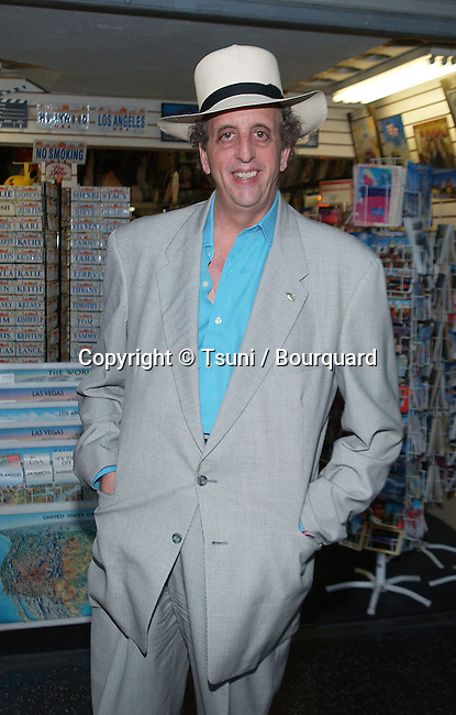 Vincent Sciavelli arriving at the premiere of the Good Girl at the Pacific Theatre in Hollywood, Los Angeles. June 29, 2002.           -            SciavelliVincent01A.jpg