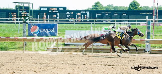 Get It On winning at Delaware Park on 8/26/2013
