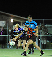 KORFBAL: GROU: Sportpark Meinga, 13-09-2012, Mid-Fryslân - SCO, Eindstand 12-10, Lotte Spitzen (#9), Sietske Hoekstra (#1), ©foto Martin de Jong