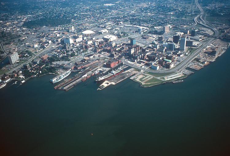 1975 October ..Redevelopment...Downtown West (A-1-6)..WATERFRONT.LOOKING NORTHEAST...NEG#.NRHA# 4793..