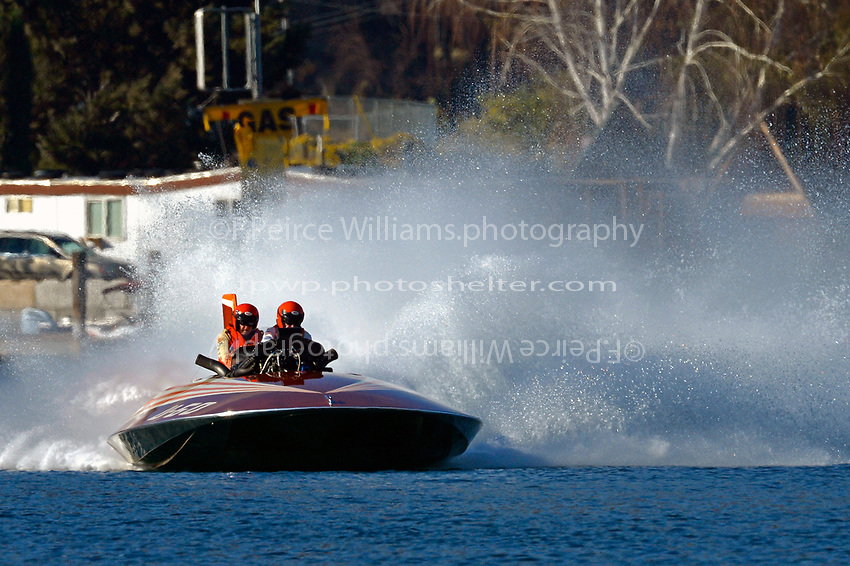 """U-60 """"Miss Thriftway of Washington State""""(replica of 1955 Allison powered Ted Jones hull)"""