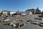 Le pulizie a Porta Palazzo a fine mercato. Porta Palazzo Market cleaning.