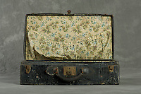 Willard Suitcases / Mary McA / ©2013 Jon Crispin
