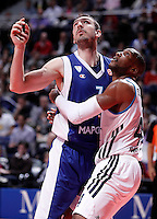 Real Madrid's Marcus Slaughter (r) and Mapooro Cantu's Marko Scekic during Euroleague 2012/2013 match.November 1,2012. (ALTERPHOTOS/Acero) /NortePhoto