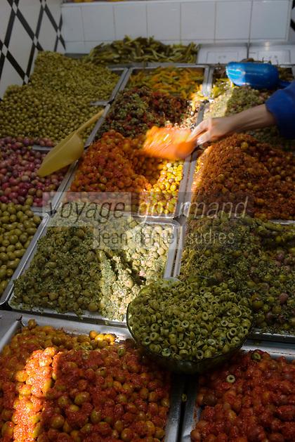 Afrique/Afrique du Nord/Maroc/Rabat: dans la médina étal d'un marchand d'olives