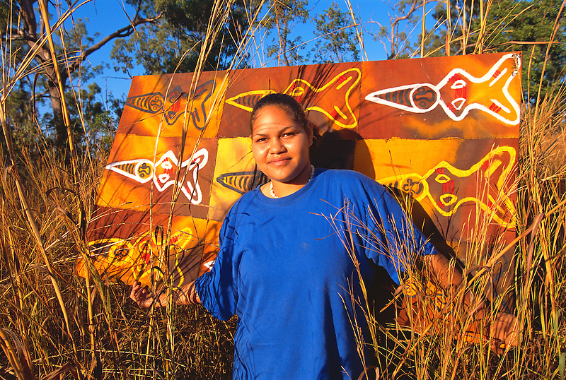 Thala Wallis, Western Cape Artist, with artwork, near Weipa, Cape York Peninsula.