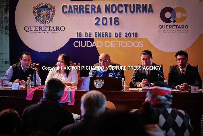 Quer&eacute;taro, Qro. 18 enero 2016.-  El Presidente Municipal de la capital del estado, Marcos Aguilar Vega, present&oacute; en rueda de prensa, en la sala de cabildos de Palacio Municipal, la &quot;Carrera Nocturna 2016&quot; que ser&aacute; realizada el d&iacute;a 5 de marzo del a&ntilde;o en curso.<br /> Foto: Victor Pichardo / Obture Press Agency