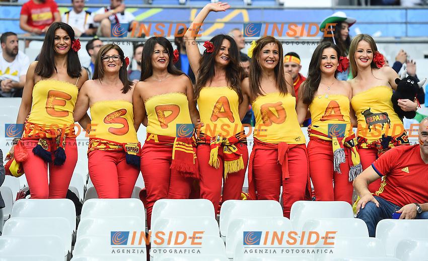 Tifose Spagna Fans Spain <br /> Paris 27-06-2016 Stade Saint Denis <br /> Football Euro2016 Italy - Spain / Italia - Spagna Round of 16 / Ottavi di finale<br /> Foto Massimo Insabato / Insidefoto