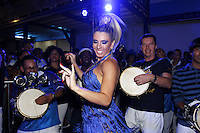 S&Atilde;O PAULO, SP, 07.09.2013 - IMP&Eacute;RIO DE CASAVERDE ESCOLHE SAMBA ENREDO, Andr&eacute;a de Andrade na Escola de Samba Imp&eacute;rio de Casa verde que escolheu seu samba enredo na noite desse s&aacute;bado, 07, o destaque foi a musa da bateria Andr&eacute;a de Andrade.<br />(Foto: Paduardo / Brazil Photo Press).