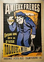 """Europe/France/Bretagne/29/Finistère/ Douarnenez: le """"port-musée  de """" Port-Rhu""""<br /> Histoire des conserveries de sardines à Douarnenez- Vieille affiche d'une conserverie"""