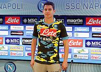 Presentazione del nuovo acquisto del Napoli Jorginho e della nuova maglia , la quarta della stagione