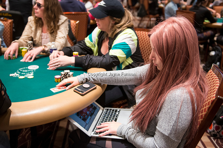 Melanie Weisner playing Ladies Event 70 and WSOP.com Event 71