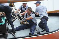 ZEILEN: FRYSLÂN: 2014, SKS skûtsjesilen, skûtsje Twee Gebroeders, Drachten, schipper Jeroen Pietersma, ©foto Martin de Jong