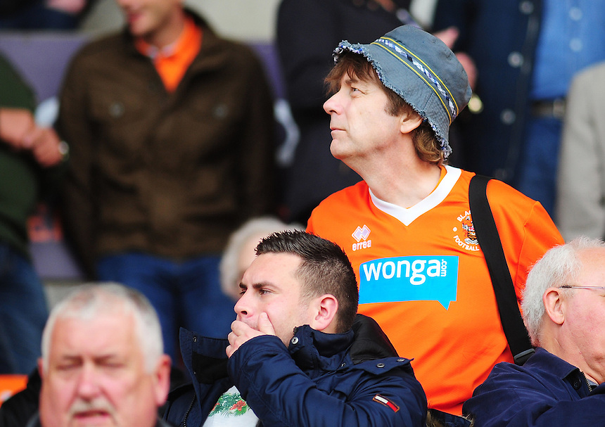 A Blackpool fan before todays match<br /> <br /> Photographer Kevin Barnes/CameraSport<br /> <br /> Football - The Football League Sky Bet League One - Blackpool v Swindon Town - Saturday 3rd October 2015 - Bloomfield Road - Blackpool<br /> <br /> &copy; CameraSport - 43 Linden Ave. Countesthorpe. Leicester. England. LE8 5PG - Tel: +44 (0) 116 277 4147 - admin@camerasport.com - www.camerasport.com