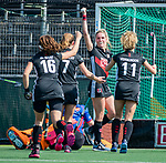 AMSTELVEEN - Kimberly Thompson (A'dam) heeft gescoord   tijdens de hoofdklasse competitiewedstrijd hockey dames,  Amsterdam-Oranje Rood (5-2). COPYRIGHT KOEN SUYK
