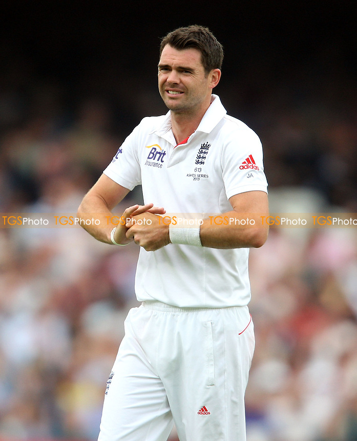 James Anderson of England - England vs Australia - 2nd day of the 5th Investec Ashes Test match at The Kia Oval, London - 22/08/13 - MANDATORY CREDIT: Rob Newell/TGSPHOTO - Self billing applies where appropriate - 0845 094 6026 - contact@tgsphoto.co.uk - NO UNPAID USE