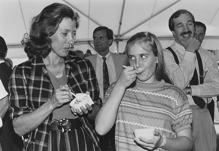 Second Lady Marilyn Tucker and Corinne Quayle (11) at the ice-cream party, on June 21, 1990. (Photo by Maureen Keating/CQ Roll Call via Getty Images)