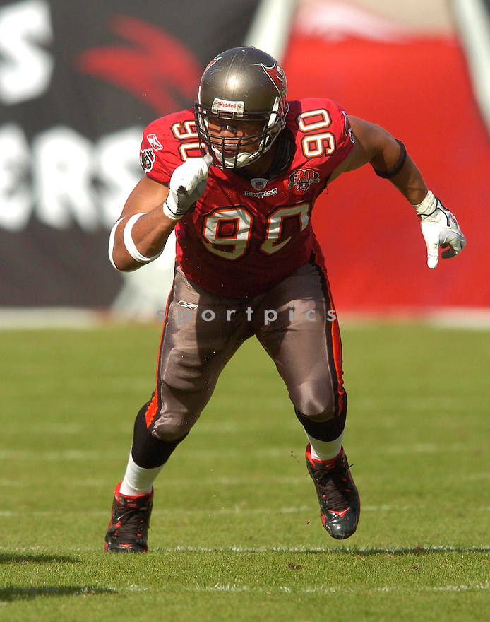 Dewayne White, of the  Tampa Bay Buccaneers, in action during their game against the Chicago Bears on November 27, 2005.  .Chris Bernachhi / SportPics..Bears win 13-10