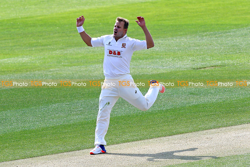 Neil Wagner of Essex goes close to a wicket during Essex CCC vs Lancashire CCC, Specsavers County Championship Division 1 Cricket at The Cloudfm County Ground on 7th April 2017