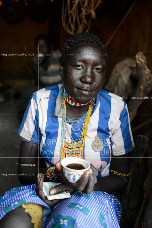 ETHIOPIA Province Benishangul-Gumuz, town Debate, Gumuz village Banush, Gumuz woman / AETHIOPIEN, Provinz Benishangul-Gumuz, Stadt Debate, Gumuz Dorf Banush, Gumuz Frau