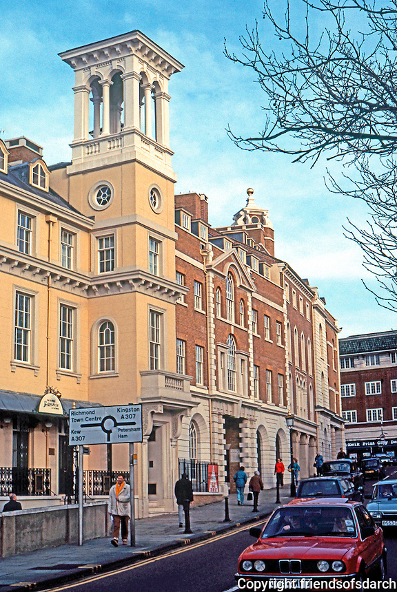 London: Richmond. Tower House on Bridge Street. Photo '90.