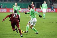 Marcel Schaefer (Wolfsburg) gegem Matthias Schwarz (OFC)