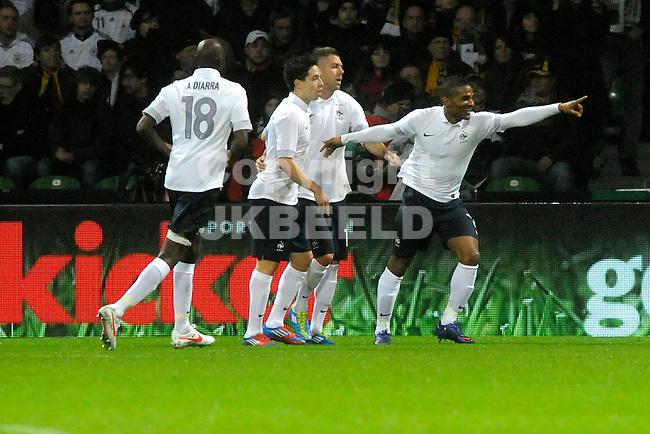 BREMEN - Voetbal, Duitsland - Frankrijk, vriendschappelijke interland, Weser stadion, 29-02-2012, Frankrijk viert de 0-2 van Florent malouda (r).
