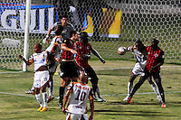 CUCUTA - COLOMBIA -08 -03-2015: Eduar Caicedo (Der.) jugador de Cucuta Deportivo disputa el balón con John Valencia (Izq.) jugadores de Deportes Tolima, durante partido entre Cucuta Deportivo y Deportes Tolima por la fecha 9 de la Liga Aguila I-2015, jugado en el estadio General Santander de la ciudad de Cucuta.  / Eduar Caicedo (R) player of Cucuta Deportivo vies for the ball with John Valencia (R) player of Deportes Tolima, during a match between Cucuta Deportivo and Deportes Tolima for the date 9 of the Liga Aguila I-2015 at the General Santander Stadium in Cucuta city, Photo: VizzorImage  / Cont.