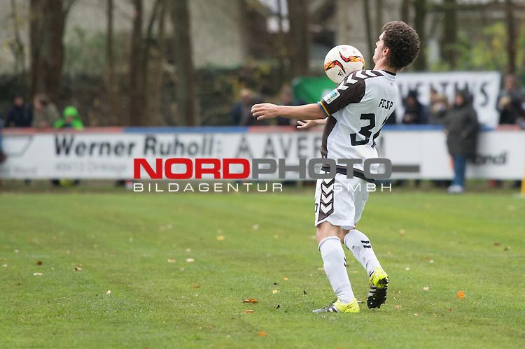 14.11.2015, Jahn Stadion, Dinklage, GER, FSP, VFL Osnabrueck vs 1. FC ST. Pauli, im Bild<br /> <br /> Ballannahme mit der Brust - R&uuml;ckansicht <br /> Okan Kurt (FC St. Pauli #36)<br /> Einzelaktion, Ganzk&ouml;rper / Ganzkoerper,<br /> <br /> Foto &copy; nordphoto / Kokenge