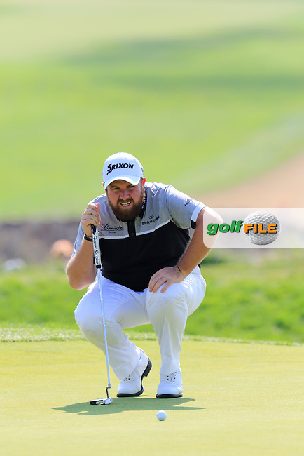 Shane Lowry (IRL) on the 4th green during Sunday's Final Round of the 2016 U.S. Open Championship held at Oakmont Country Club, Oakmont, Pittsburgh, Pennsylvania, United States of America. 19th June 2016.<br /> Picture: Eoin Clarke | Golffile<br /> <br /> <br /> All photos usage must carry mandatory copyright credit (&copy; Golffile | Eoin Clarke)