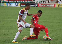 TUNJA -COLOMBIA-1-MAYO-2016.Kevin Rendon (Der.) de Patriotas FC disputa el balón con Cristhian Dajome (Izq.) del Tolima durante partido por la fecha 16 de Liga Águila I 2016 jugado en el estadio La Independencia./  .Kevin Rendon  (R) of Patriotas FC for the ball with Cristhian Dajome  (L) of Tolima during the match for the date 16 of the Aguila League I 2016 played at La Independencia stadium in Tunja. Photo: VizzorImage / César Melgarejo  / Contribuidor