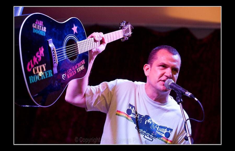 Alan Miles - Jail Guitar Doors' Hootenanny - The Flowerpot, Kentish Town Road - 12th July 2009