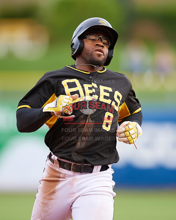 Eric Young Jr. (8) of the Salt Lake Bees during the game against the Fresno Grizzlies in Pacific Coast League action at Smith's Ballpark on April 17, 2017 in Salt Lake City, Utah. The Bees defeated the Grizzlies 6-2. (Stephen Smith/Four Seam Images)