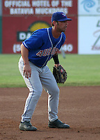 July 4, 2003:  Third baseman Ryan Roberts (17) of the Auburn Doubledays, Class-A affiliate of the Toronto Blue Jays, during a game at Dwyer Stadium in Batavia, NY.  Photo by:  Mike Janes/Four Seam Images