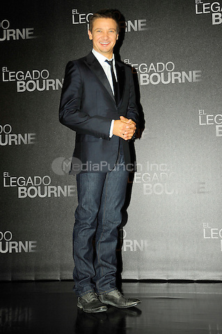 MEXICO CITY, MEXICO - AUGUST 22: Jeremy Renner during the photocall for the film The Bourne Legacy at St. Regis Hotel on August 22, 2012, Mexico City, Mexico. Carlos Tischler/ zenitimages /NortePhoto/MediaPunch Inc. ***FOR USA ONLY***