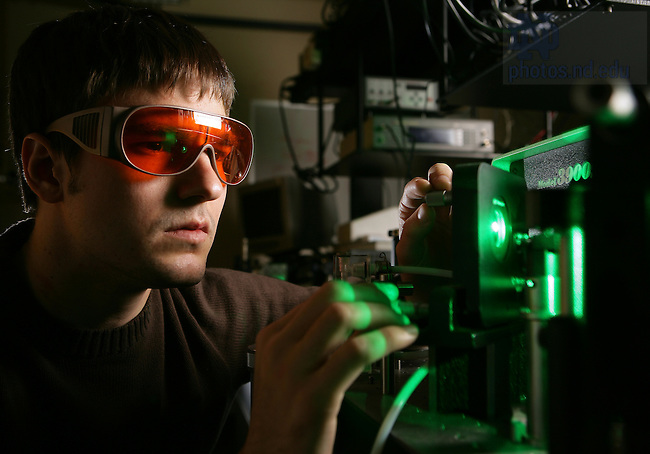 For industrial alliance brochure--photonics lab in Fitzpatrick Hall of Engineering