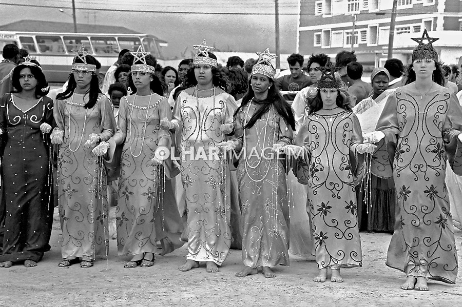 Festa de Iemanjã na Praia Grande, Santos. São Paulo. 1978. Foto de Juca Martins.