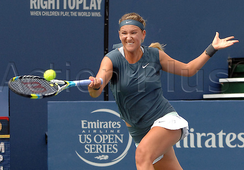 31.07.2013.la Costa Country Club, Carlsbad, California, USA.  Victoria Azarenka (BLR) returns a shot during a match against Francesca Schiavone (ITA) during the Southern California Open played at the La Costa Resort & Spa in Carlsbad CA.