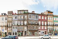 PORTO-PORTUGAL, 25.08.2012 - Fachada dos casarios localizados na região do centro histórico da cidade do Porto. (Bete Marques/Brazil Photo Press)