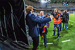 Stockholm 2013-10-27 Fotboll Allsvenskan Djurg&aring;rdens IF - Gefle IF :  <br /> Djurg&aring;rden huvudtr&auml;nare tr&auml;nare Per-Mathias H&ouml;gmo p&aring; v&auml;g att g&aring; av planen efter att ha blivit avtackad och hyllad i sista matchen som tr&auml;nare f&ouml;r Djurg&aring;rdens IF i Tele2 Arena<br /> (Foto: Kenta J&ouml;nsson) Nyckelord:  tr&auml;nare manager coach