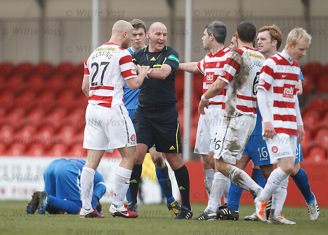 Tempers flare after Simon Mensing's red card